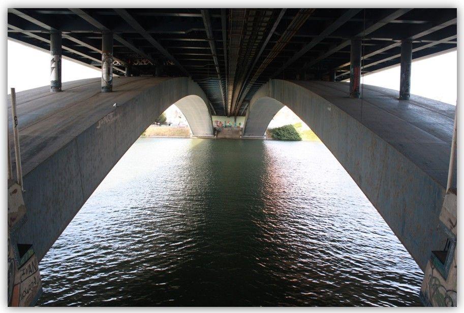 Puente del Cristo de la Expiración por debajo