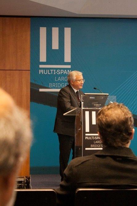 El Profesor Jiri Strasky durante su keynote . Foto: Estefanía Casares.