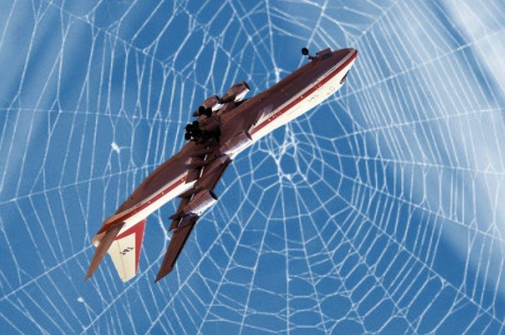 Boing 747 en tela de araña